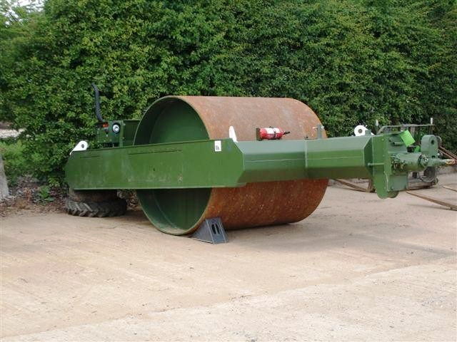 SITE EQUIPMENT - Roller Towed Bomag BW6