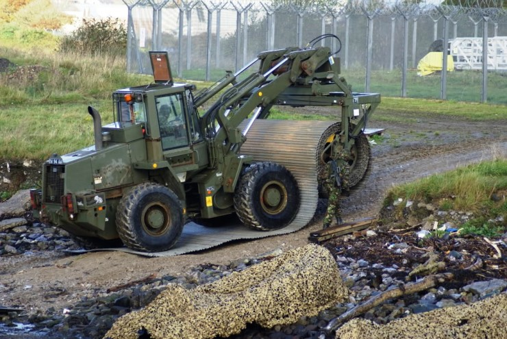 Case 721 CXT with Class 30 Trackway (image Credit: Plain Military)